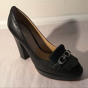 COACH 9 Black Loafer Pumps Wingtip Detail Logo